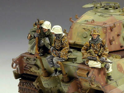 King & Country Battle Of The Bulge  King Tiger Tank Riders  Bbg17 Boxed • 99.99£