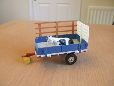 Vintage Britains Farm Animal Trailer & Cow *incomplete* • 17£
