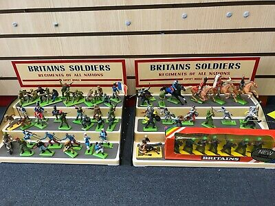2 X Britains Soldiers, Regiments Of All Nations. 3 Step Display Unit  • 45£