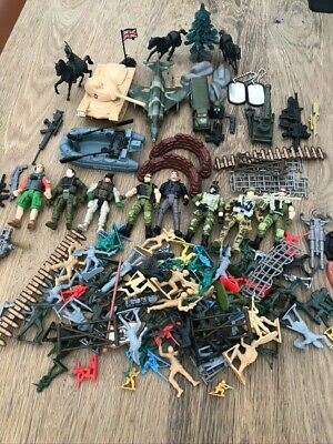 Box Of Toy Army Soldiers - Mixture Of Sizes/Brands. Guns. Vehicles. Used. • 10£