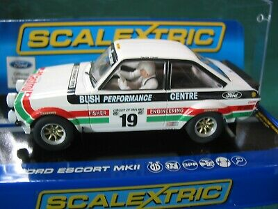 SCALEXTRIC C3416 FORD ESCORT MKll #19 FISHER ENGINEERING  CASTROL   BNIB  • 75.99£