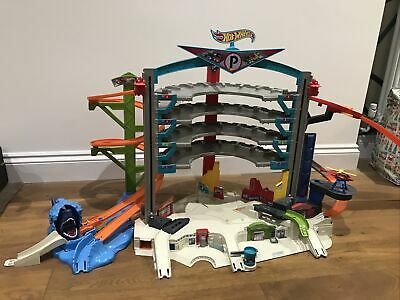 Hot Wheels Ultimate Car Garage Play-set Complete Working Very Good Condition • 41£