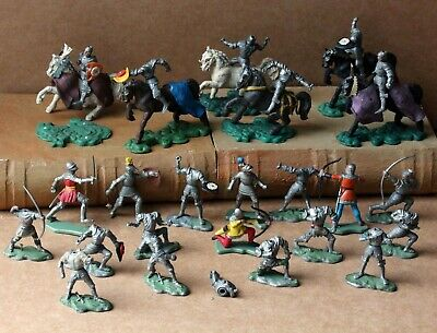 Vintage Britains 1960's Swoppets Knights On Horseback And Herald Foot Soldiers • 18.60£