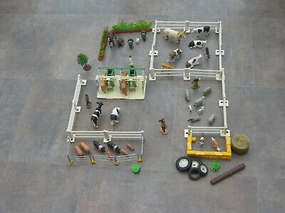 Collection Of Vintage Britains Plastic Farm Animals, People, Fences Etc • 10.50£