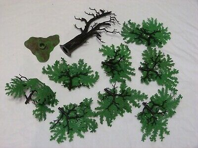 Britains  1/32nd  Oak  Tree    • 12£