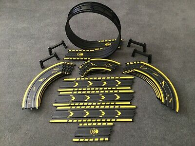 "Micro Scalextric 1:64 Track   "" Job Lot Of 26 Peace's Plus Loop The Loop "" • 21.20£"