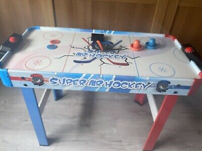 Air Hockey Table • 15£