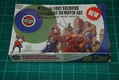 Airfix 1/32 Figures Of Medieval Foot Soldiers • 5£
