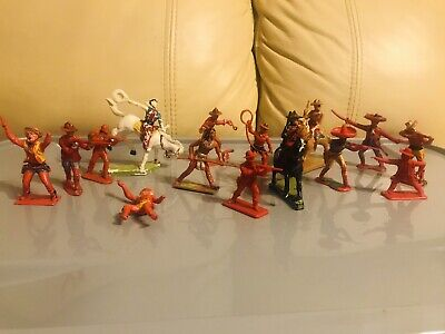 Crescent Cowboys And Others X15 In Very Good Condition • 26£