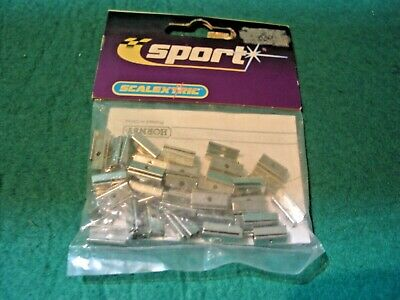 Rl C8255 Middle Track Clips X 50   • 2.50£
