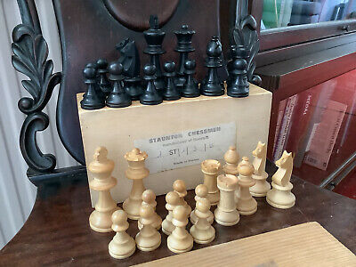 Staunton Chessmen In Original Box. France 1965. Boxwood. King Approx. 3 Inches. • 10.50£