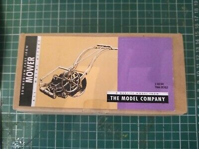 1/43 Scale Edwardian Cast Iron Model Lawnmower Kit New Boxed • 7.48£
