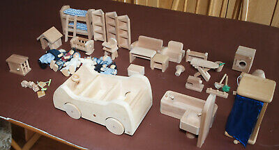 Early Learning Centre Wooden Dolls House Accessories • 20£