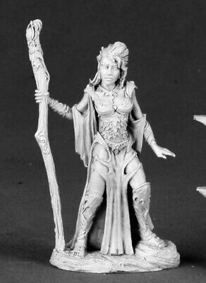 Reaper Miniatures - 03492 - Autumn Bronzeleaf, Female Elf Wizard - DHL • 5.14£