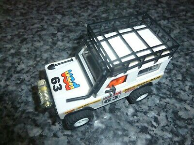 STS 4x4 Unboxed White Land Rover • 99£