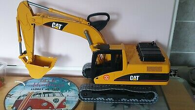 Bruder 1.16 Scale Large Cat Excavator Slu  • 26£
