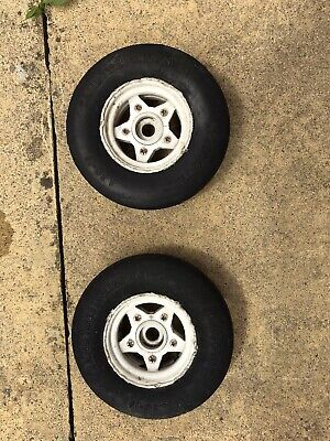 Tamiya Hornet Front Wheels And Tyres • 5.50£
