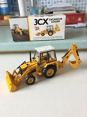 JCB 3CX Excavator Loader Scaled Reproduction Model (NZG277) • 45£