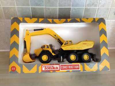 VintageTonka Construction Wheeled Excavator (original Packaging).UK Postage Only • 20£