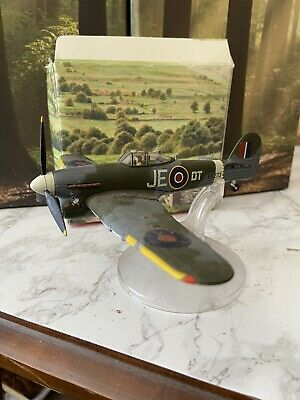 Corgi Die Cast Model Air Plane Used • 8£