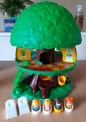 Vintage Palitoy Tree House With People Beds Chairs Swing And Stairs • 10£