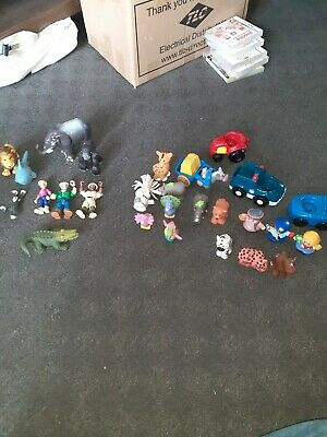 Fisher Price Little People Bundle With Some Random Figures.  • 12£