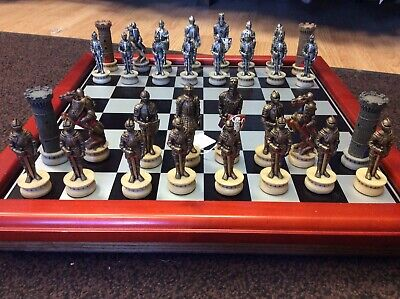 Vintage Knights Chess Set With Chess Board And Storage Box. • 115£
