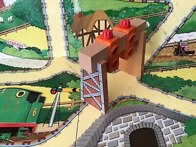 Thomas The Tank Engine Brio/ELC Style Wooden Trains Station Lights. • 8.75£