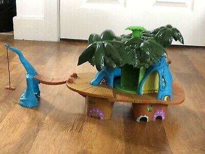 Treehouse Playset With Two Panthers Moving Parts • 0.99£