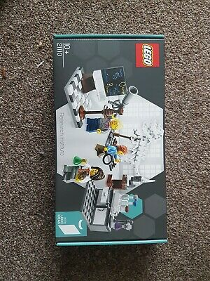 Lego Research Institute (21110) • 25£