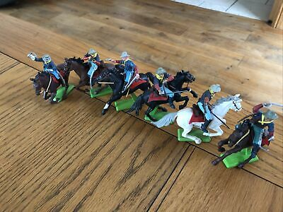 BRITAINS DEETAIL MOUNTED 7th CAVALRY SET • 31£