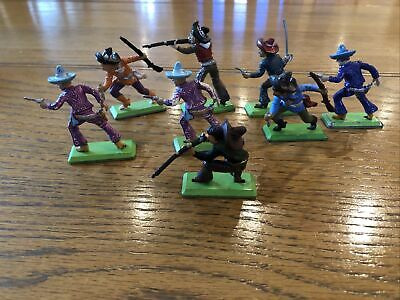 Britains Deetail Wild West  Mexicans  1970s  1:32 X 8 • 15£