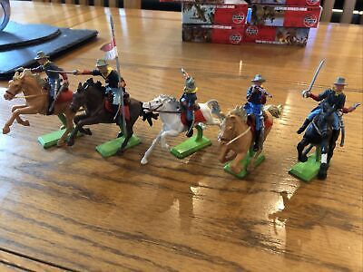 BRITAINS DEETAIL MOUNTED 7th CAVALRY SET • 21.55£