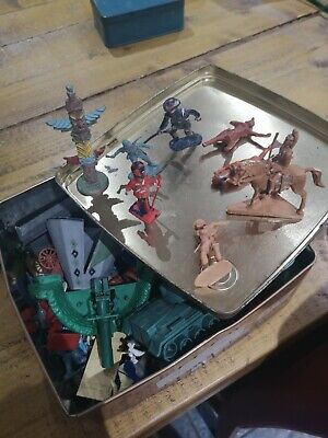Vintage British Plastic Toy Soldiers And Indian's • 3.50£