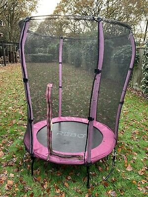 Rebo 4.5ft Trampoline With Enclosure • 60£
