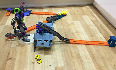 Hot Wheels Bionic Battle Play Set Including One Car • 19.99£