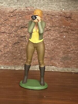 1/32 SCALE FIGURE (Katie-B) HAND PAINTED/Scalextric/Slot Cars Etc • 11£