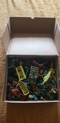 Large Box Of Plastic Toy Soldiers Tanks And Trucks • 14.99£