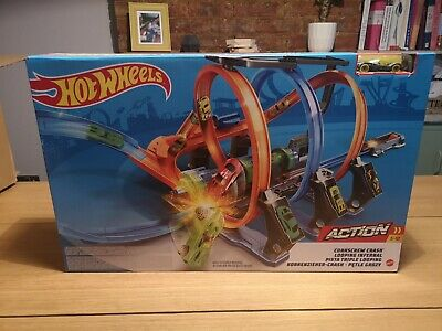 Hot Wheels Corkscrew Crash Track Set • 19£