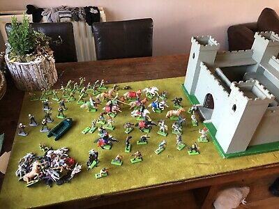 Britains Deetail Huge Lot And Fort • 40£