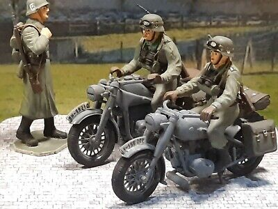German Ww2 Motorbike Riders & + Figure 1/35  Built & Painted On Diorama Base 3 • 37.99£
