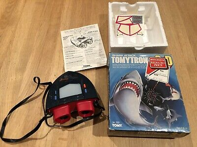 Tomytronic 3D Shark Attack - Electronic Handheld Game VINTAGE Boxed • 50£