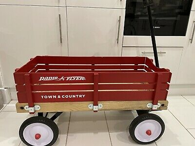 Radio Flyer Town And Country Wagon - Used • 31£