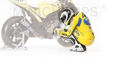 Valentino Rossi Pilota Preparing Race Figure MotoGP 2006 1:12 Model MINICHAMPS • 52.28£