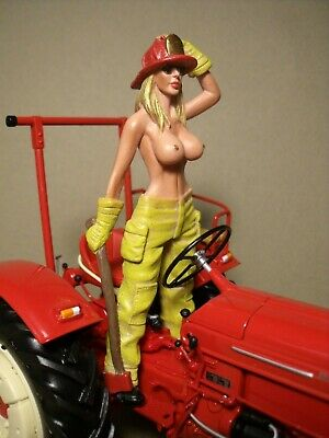 Figurine  1/18  Peinte  The  Tractor  Girl  Vroom  For  Minichamps  Schuco  1/18 • 107.15£