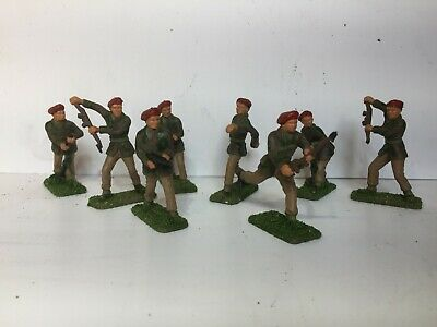 Cresent WW2 British Paratroopers X Eight Figures Highly Decorated • 9.99£