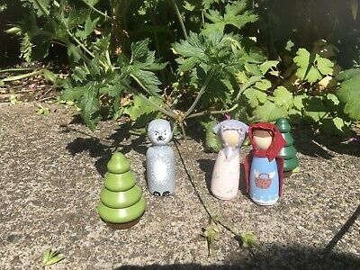 "Little Wooden People ""Red Riding Hood, Granny, Wolf And Trees"" • 9£"