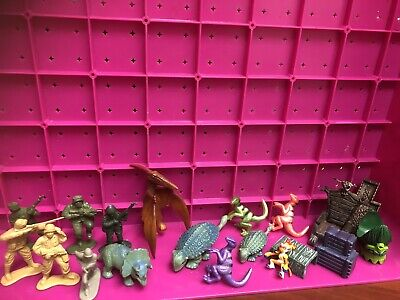 Mixed Toy Figures Bundle Soldiers , Dinosaurs Etc • 0.99£