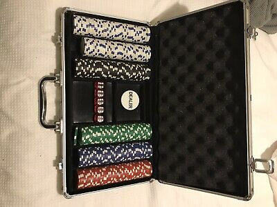 Poker Chip Set, Chips, Dice, And Case • 3.50£