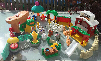 Large Collection Of Fisher Price Little People Buildings And Characters • 11.50£